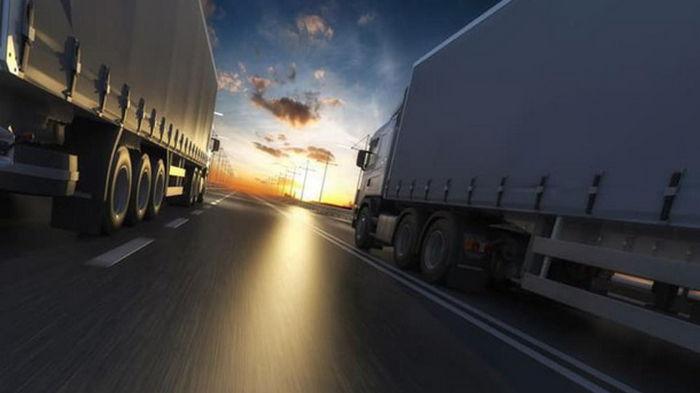 В Украине введен запрет на движение грузовиков