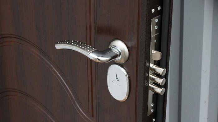 Для чего необходимы накладки на замок двери?