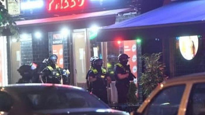В центре Берлина произошла стрельба, трое раненых (фото)