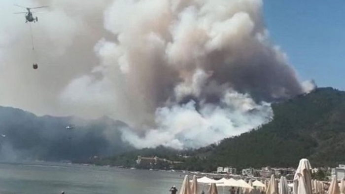Возле турецкого курорта Мармарис горят леса