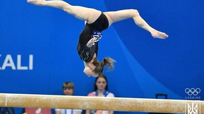 Украинские гимнасты выиграли золото и два серебра на Кубке мира