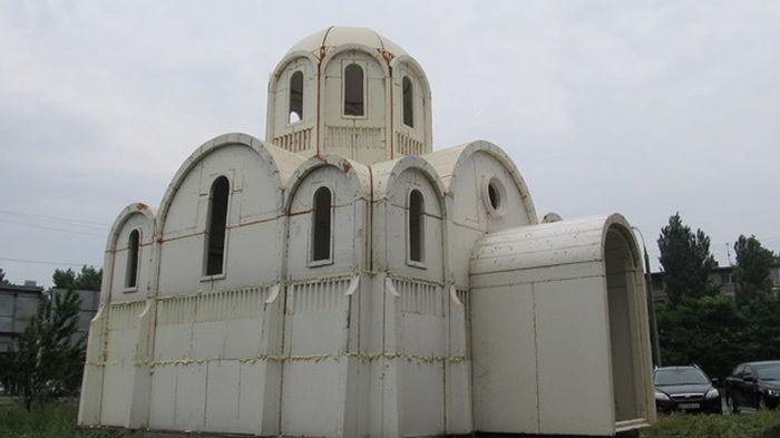 В Херсоне за считанные часы построили церковь (видео)
