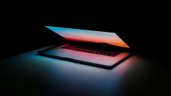 Украинец запатентовал ноутбук с двумя экранами: как он будет выглядеть