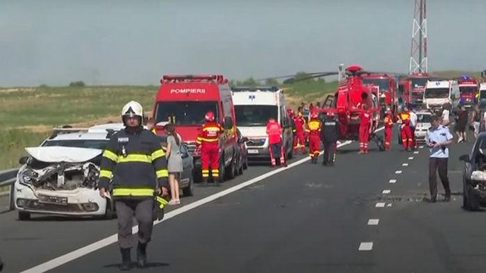 Масштабное ДТП в Румынии: столкнулись 55 авто (видео)