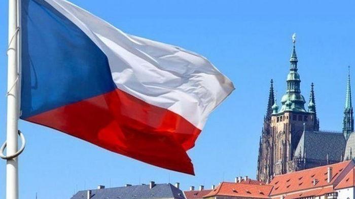 Чехам разрешили защищать жизнь с оружием в руках