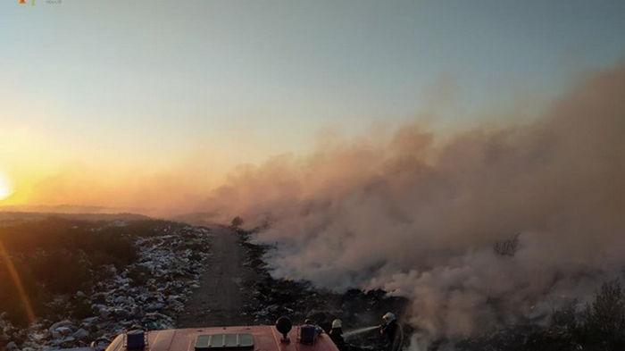 На Житомирщине произошел пожар на свалке