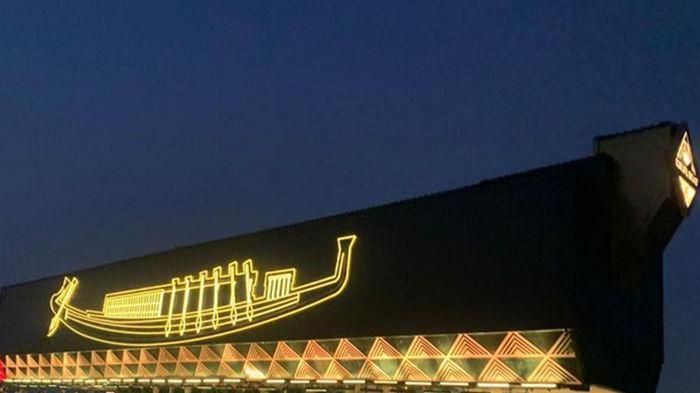 В Египте перевезли в музей огромную ладью Хеопса (фото)