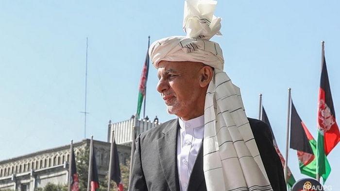Президент Афганистана: Уехал в одной рубашке, взял несколько книг