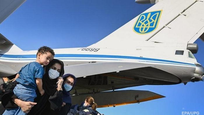 В Афганистане остаются еще около 90 украинцев