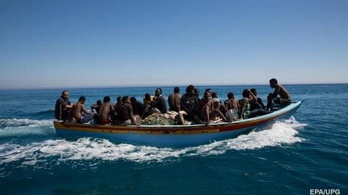 У берегов Испании перехватили более 200 нелегалов
