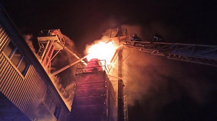 В Хмельницкой области сгорело 12 тонн зерна