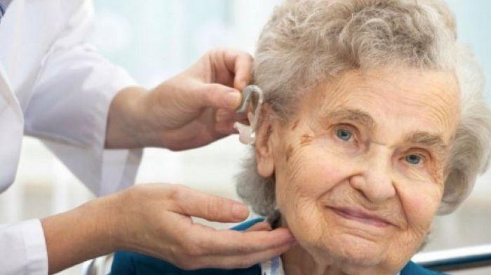 Центр Слуха: как выбрать слуховой аппарат для пожилого человека?