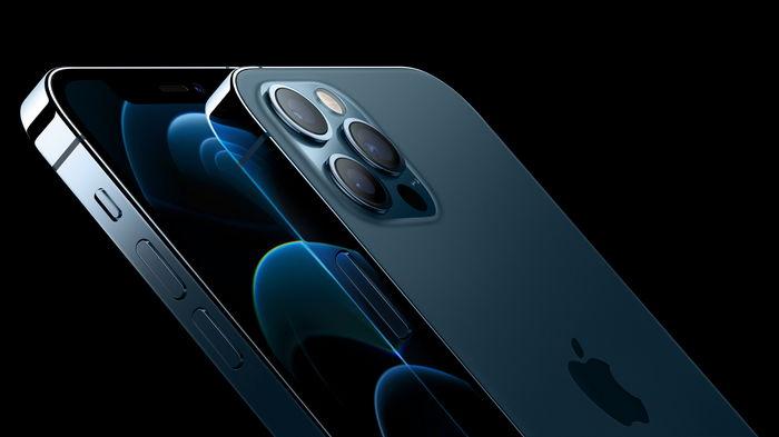 Apple прекращает продажи флагманов iPhone 12