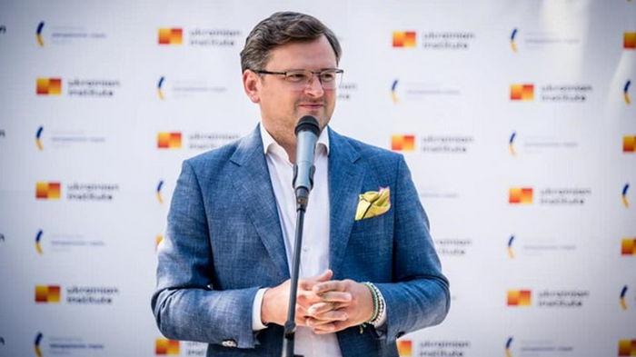 Кулеба: Безвизу Украины с ЕС ничего не угрожает